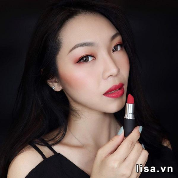 Son MAC Powder Kiss Màu 306 Shocking Revelation - Đỏ Lạnh 1