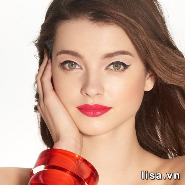 Màu đỏ ảnh hồng của son Shu 164 ngọt ngào tươi trẻ