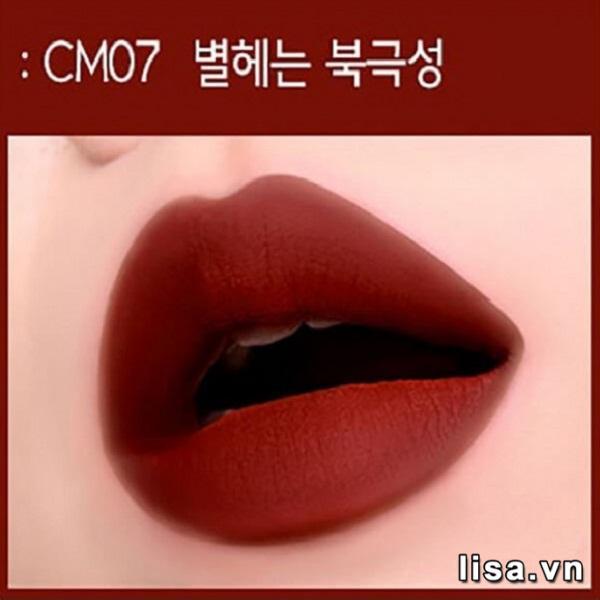 Chất son kem Black Rouge CM07 trên môi lì mịn hoàn hảo