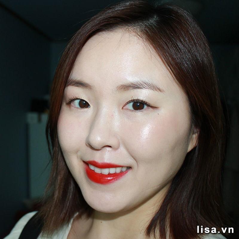 Chất son Gucci 500 Odalie Red mịn đẹp nịnh môi