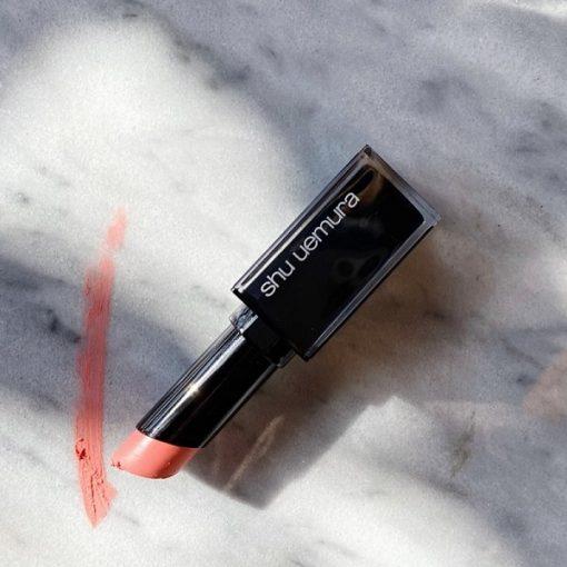 Son Shu 334 có thiết kế vỏ đen hoàn toàn mới