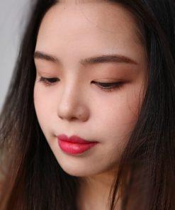 Màu Ruby Rush khi đánh lòng môi