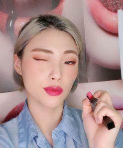 YSL màu 101 Rouge Libre cho môi nàng mềm mịn cả ngày