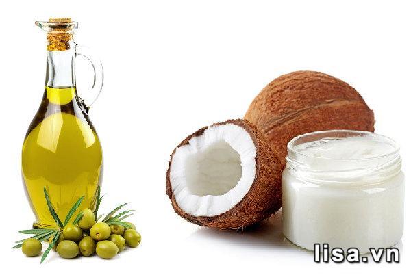 Dùng dầu dừa và dầu oliu là cách làm môi đỏ tự nhiên tại nhà