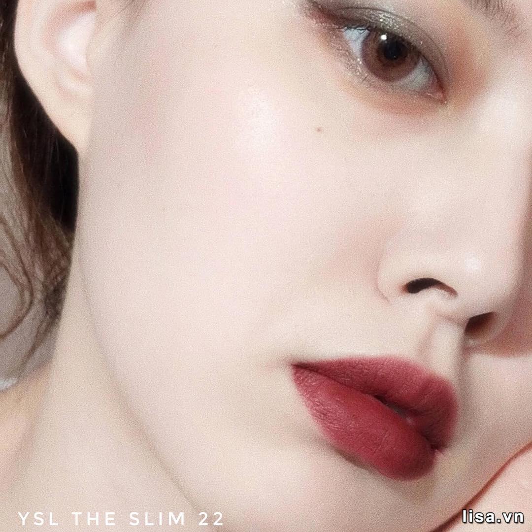 Sắc son YSl The Slim 22 Ironic Burgundy lên môi cá tính, cuốn hút