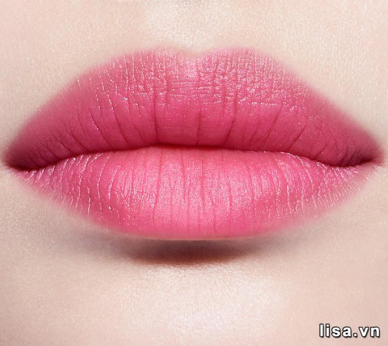 Chất son dưỡng Dior 102 lì mịn, mềm môi môi hấp dẫn