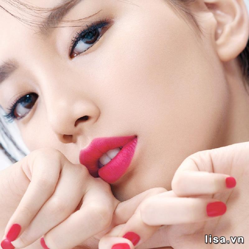 Độ bền màu của Dior Addict Lip Glow 102 Matte Raspberry khá tốt