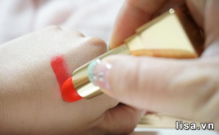 Chất son YSL Rouge Pur Couture 13 Le Orange giàu dưỡng chất