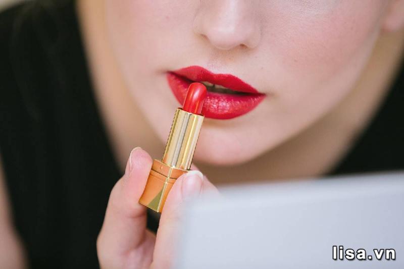 Chất son YSL Le Rouge 01 mềm mịn môi khó cưỡng