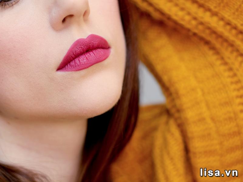 Son YSL Contrary Fuchsia Slim 08 lên môi vừa ngọt ngào vừa cá tính