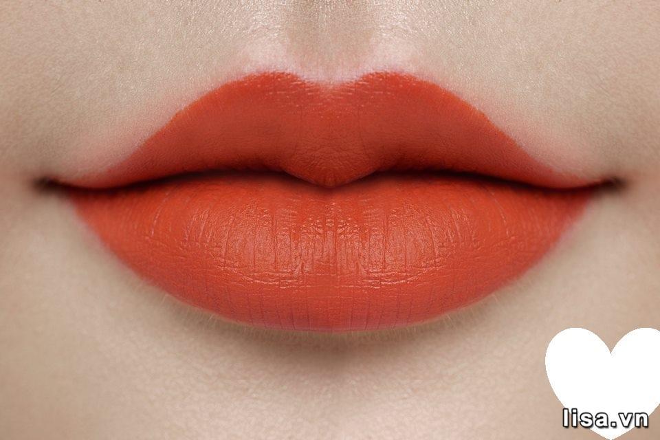 Son Dior 707 Bliss Rouge Ultra Care lên môi mịn đẹp
