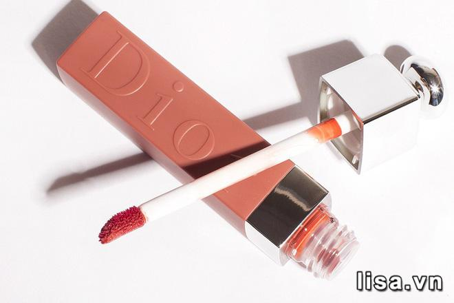 Đầu son Dior Addict Lip Tattoo 421 Natural Beige được vát nhẹ