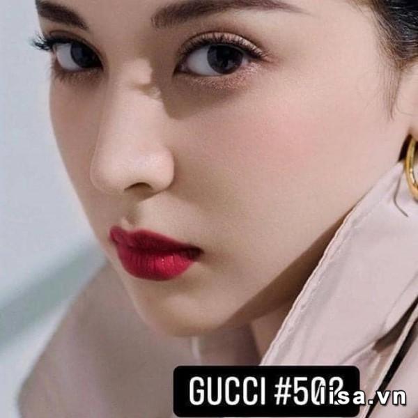 Son Gucci 502 Eadie Scarlet có tông đỏ lạnh xuất sắc