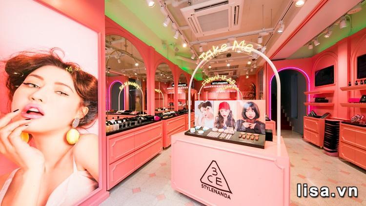 Một store của 3CE tại Hàn Quốc