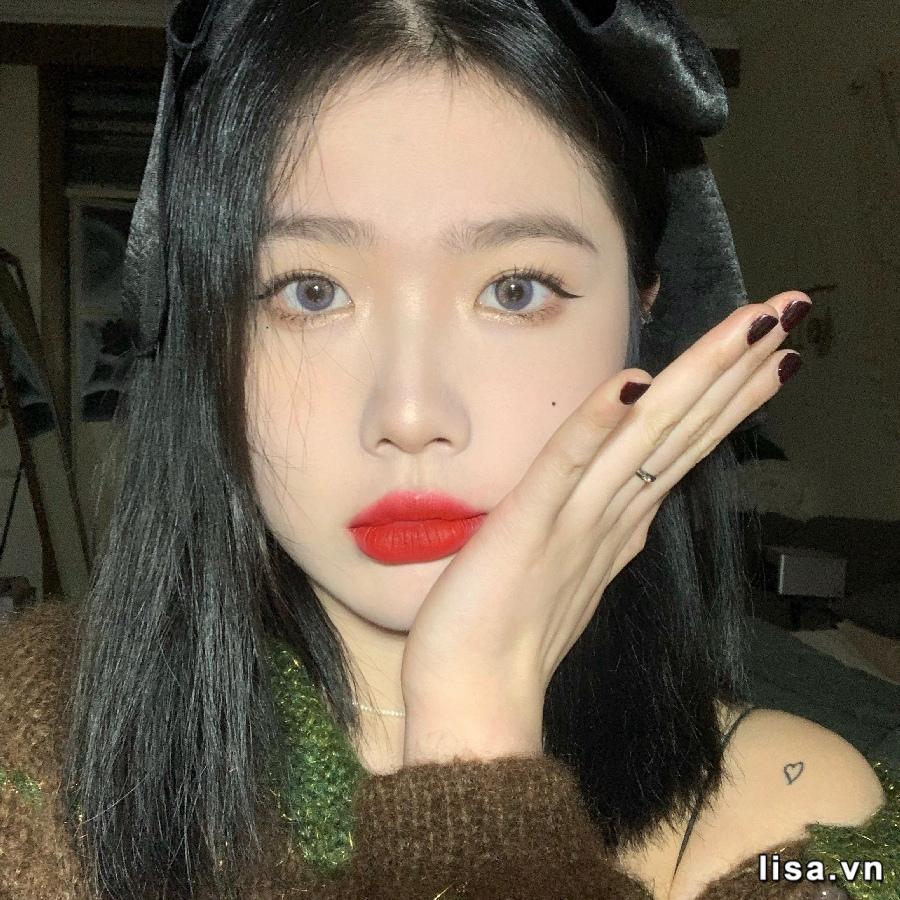 Màu son YSL Rouge Volupte Shine 120 hợp với nhiều makeup look