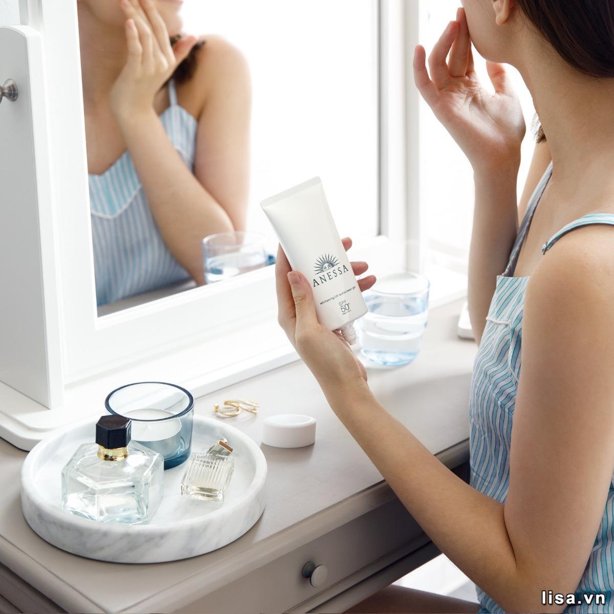 Kem chống nắng Anessa Whitening UV Sunscreen Gel sở hữu thiết kế nhỏ gọn, đẹp mắt