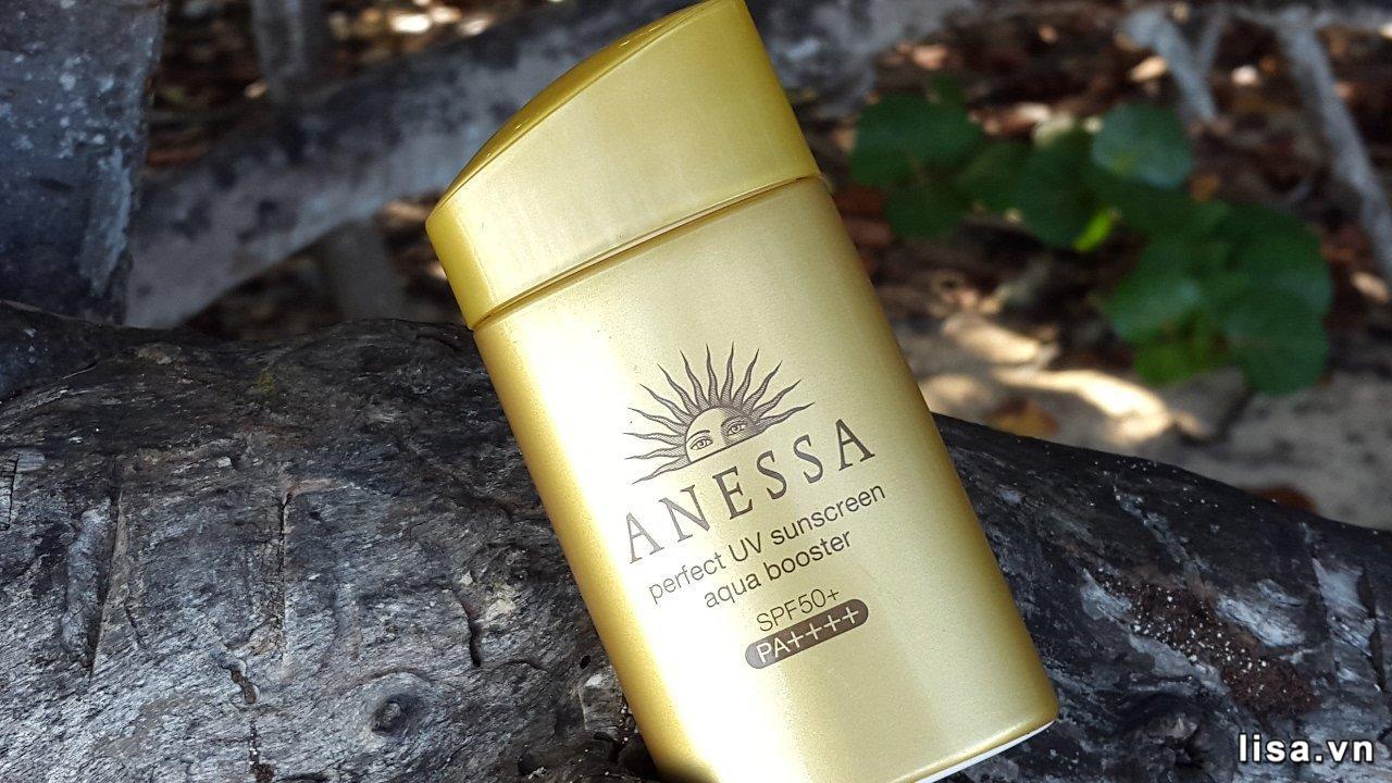 Sữa chống nắng Anessa Perfect UV Sunscreen Skincare Milk SPF50+/PA++++ có kết cấu mỏng nhẹ, dễ thẩm thấu