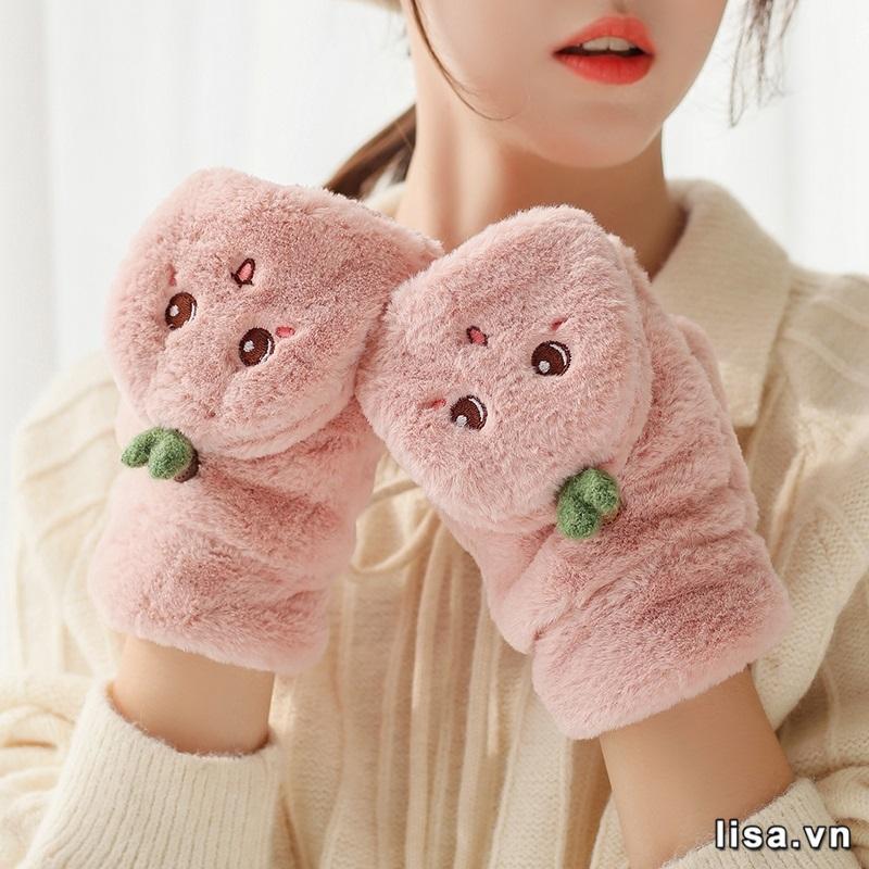 Tặng găng tay mang ý nghĩa nhường yêu thương cho một người khác