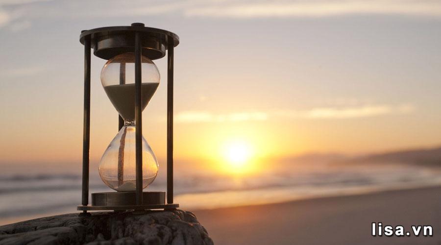 Tặng đồng hồ cát nếu bạn mong muốn một tình yêu vĩnh cửu