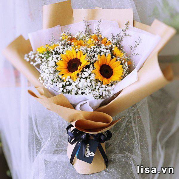 Khi tặng quà bạn gái là hoa, có thể nàng sẽ kêu lãng phí đấy, nhưng tâm lại rất vui
