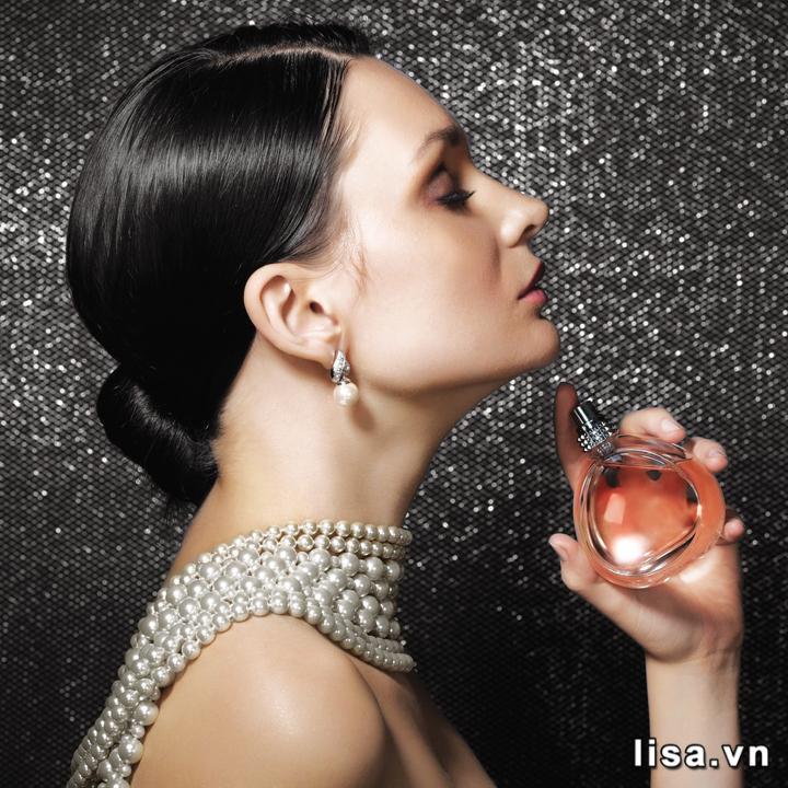 Nước hoa - món quà giá trị tôn vinh vẻ đẹp quyến rũ của phụ nữ là món quà tặng bạn gái kỷ niệm 1 năm được nhiều đấng mày râu chọn
