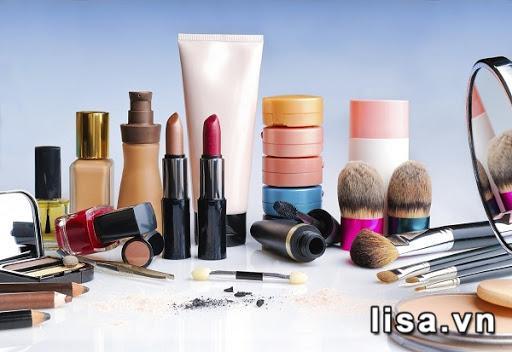 Bất kỳ người phụ nữ nào cũng có đam mê bất tận với mỹ phẩm