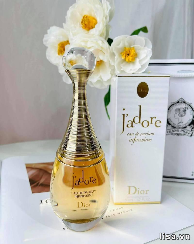 Dior J'Adore Eau de parfum có hương thơm ngọt ngào, quyến rũ