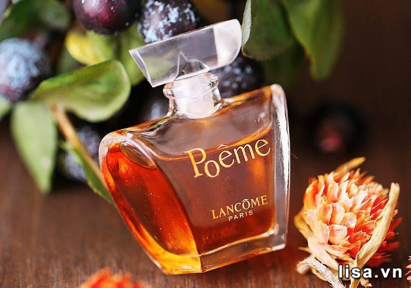Poeme Lancome được tạo nên từ 25 nốt hương độc đáo - là một trong những nước hoa nữ bám mùi lâu nhất thế giới