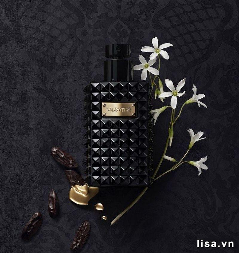 Nước hoa Valentino ngọt ngào ngay từ những nốt hương đầu