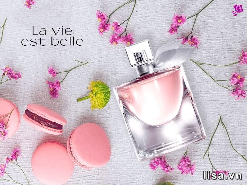 Lancome La Vie Est Belle là chai nước hoa mùi ngọt có hương caramel ngọt ngào, dễ chịu