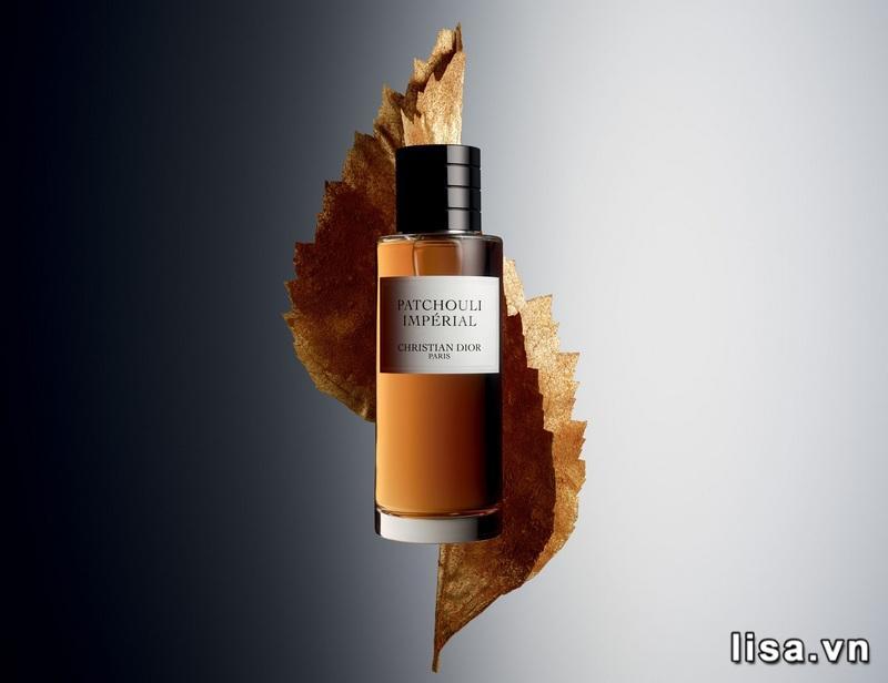 Christian Dior Fève Délicieuse sở hữu hương thơm ngọt ngào như viên kẹo dẻo