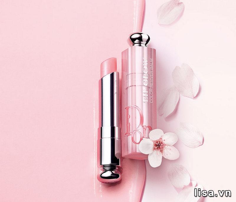Son dưỡng Dior Addict Lip Glow sở hữu thiết kế ngọt ngào, đáng yêu với tone hồng mơ mộng